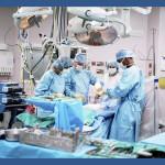 Le bloc opératoire. Les équipements médicaux qui ne répondent pas aux normes de qualité minimales et de sécurité ne doivent pas être disponibles sur le marché. The Bridge MAG. Image.