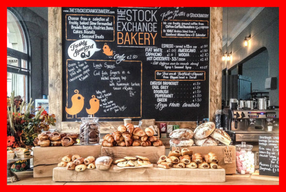 Craving for sugary foods in the UK and worldwide is a habitual aspect of the festive season: as the end of year approaches, we swop our salads and fruit bowls for mince pies, cookies, chocolates, pastries and cakes of all sorts. The Bridge MAG. Image