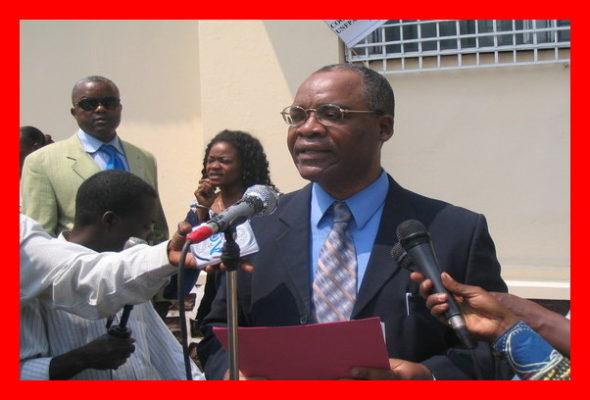 Conférence de presse. Retour sur image en 2009 : le Dr Dackam en qualité de Représentant du Fonds des Nations Unies pour la population (UNFPA) en République Démocratique du Congo (RDC) The Bridge MAG. Image.